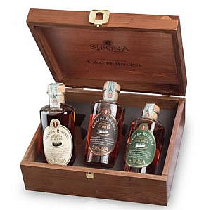 3x Fles & Mooie Case- Grappa - Sibona - SIbona Wood Selection Port, Sherry & Madeira Finish - 3x0,5 - 44%