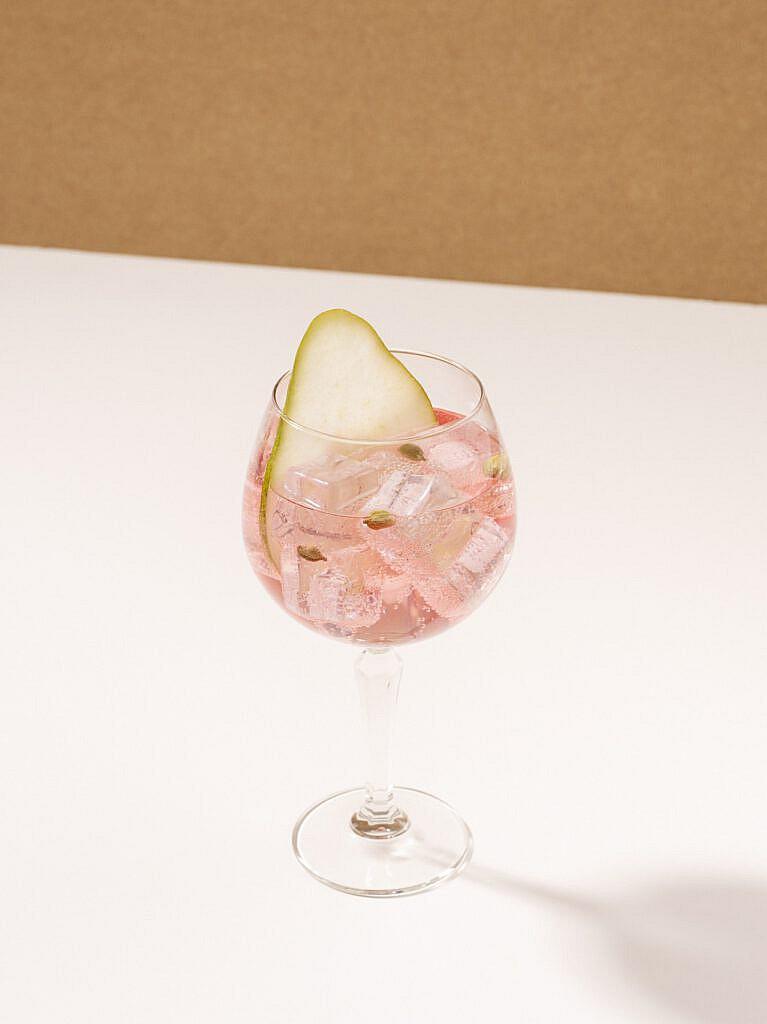 Vørding's Rose Gin & Lemonade (1)